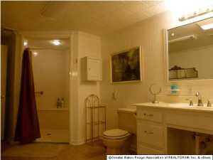 (5) bathroom